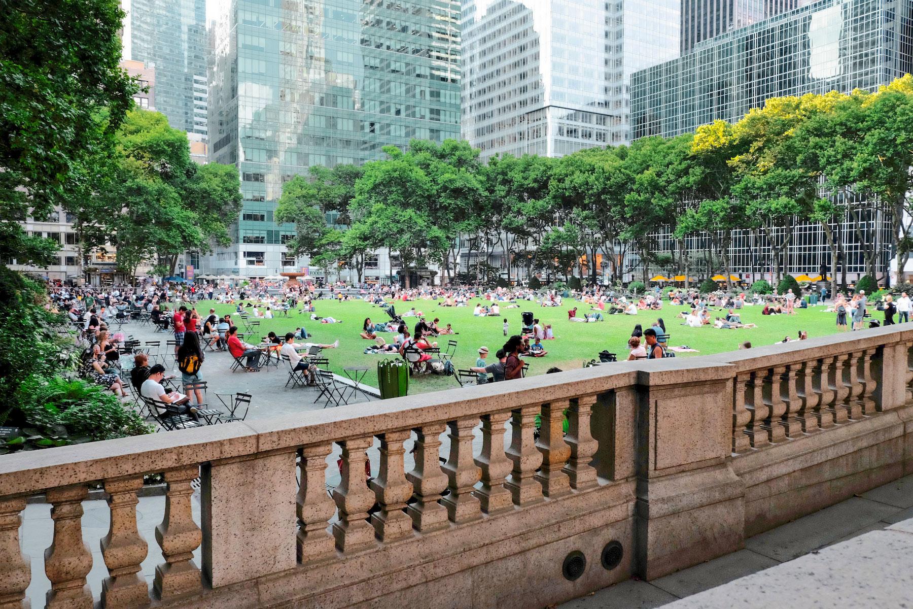 times square park - 3 Times Square